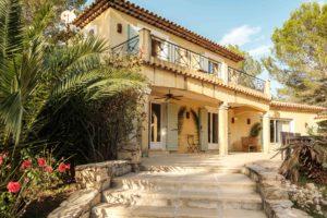 Le Queyron - la maison escalier et terasse